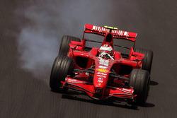 Kimi Raikkonen, Ferrari F2007 locks up
