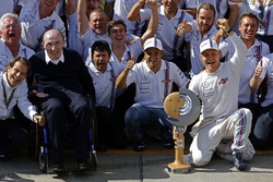 Frank Williams, Williams Team Owner and the team celebrate third place for Valtteri Bottas, Williams and fourth place for Felipe Massa, Williams