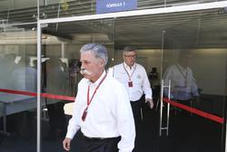 تشايس كاري، الرئيس التنفيذي لمجلس إدارة مجموعة الفورمولا واحد وروس براون، المدير العام الرياضي للفورمولا واحد