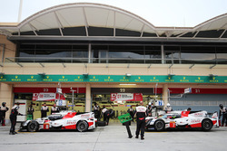 Автомобиль №7 команды Toyota Gazoo Racing, Toyota TS050 Hybrid: Тома Лоран и Майк Конвей; автомобиль №7: Фернандо Алонсо и Себастьен Буэми