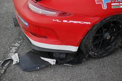 Dettaglio della Porsche 911 GT3 Cup incidentata di Gianmarco Quaresmini, Dinamic Motorsport
