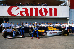Williams team photoshoot, Damon Hill, Alain Prost, Williams FW15C