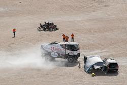 Герт Хюзинк, Роб Бюрсен и Мартин Русинк, Riwald Dakar Team, Renault Trucks K520 (№517)