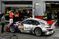 Pit stop, #911 Herberth Motorsport Porsche 991 GT3 R: Daniel Allemann, Ralf Bohn, Robert Renauer, Alfred Renauer, Dennis Olsen