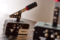 Présentation du Thrustmaster TSS Handbrake mod Sparco
