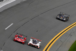 #31 Action Express Racing Cadillac DPi, P: Eric Curran, Mike Conway, Stuart Middleton, Felipe Nasr, #7 Acura Team Penske Acura DPi, P: Helio Castroneves, Ricky Taylor, Graham Rahal