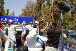 Felix Rosenqvist, Mahindra Racing, Oliver Turvey, NIO Formula E Team, Nelson Piquet Jr., Jaguar Racing, Mitch Evans, Jaguar Racing, Jérôme d'Ambrosio, Dragon Racing en el desfile de pilotos