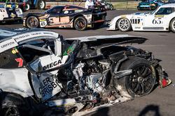 #19 Nineteen Corp P/L Mercedes AMG GT3: David Reynolds, John Martin, Liam Talbot, Mark Griffith na de crash