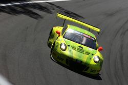 #911 Manthey Racing Porsche 911 GT3 R: Romain Dumas, Frédéric Makowiecki, Dirk Werner