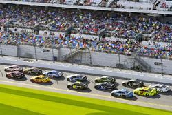Erik Jones, Joe Gibbs Racing Toyota and Austin Dillon, Richard Childress Racing Chevrolet Camaro