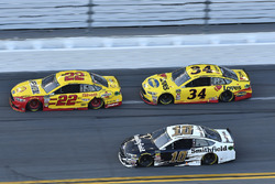 Joey Logano, Team Penske Ford Fusion, Michael McDowell, Front Row Motorsports Ford Fusion