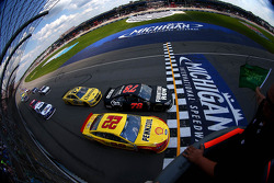 Start: Joey Logano, Penske Racing Ford
