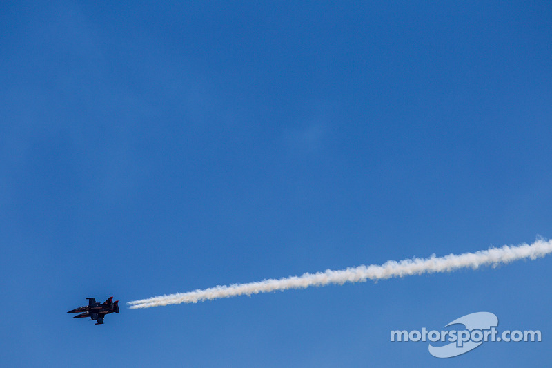 Air show voor de race