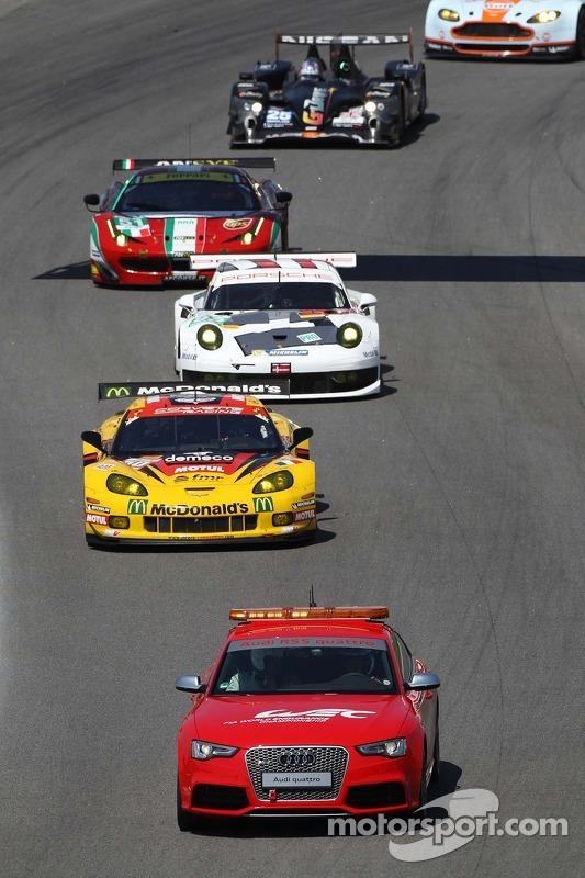 Patrick Bornhauser, Julien Canal, Fernando Rees, Chevrolet Corvette C6-ZR1 atrás do safety car