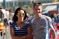 James Nash, Chevrolet Cruze 1.6 T, Bamboo Engineering and his girlfriend