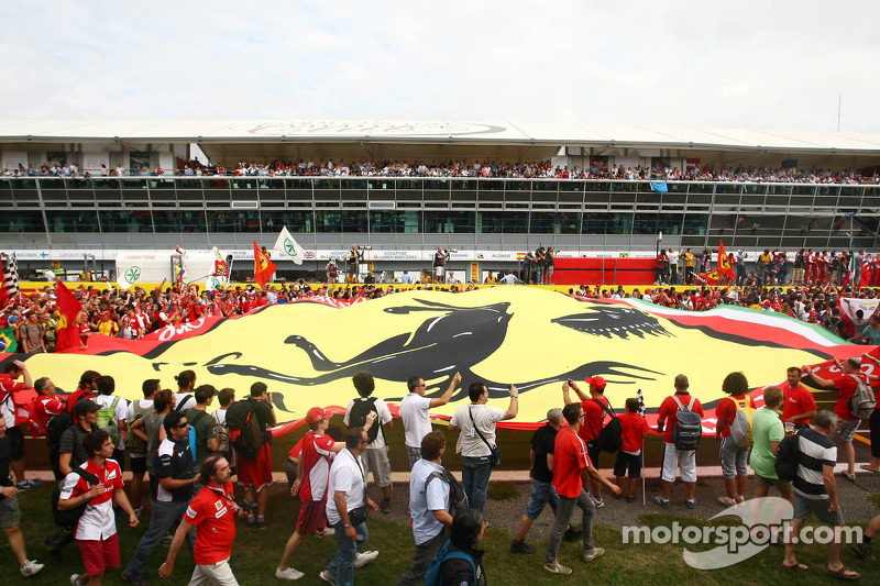 Ferrari fans under the podium