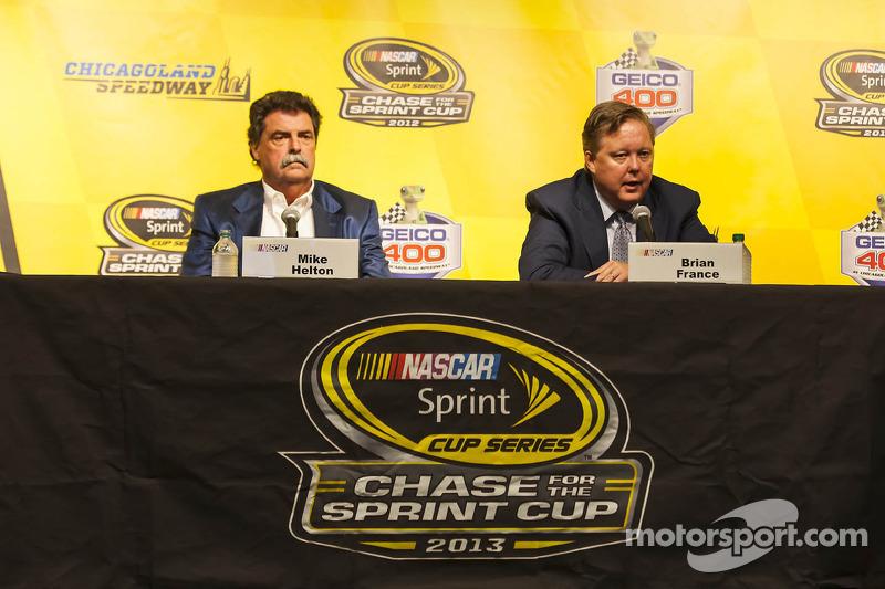 Brian France, Chairman en CEO NASCAR  en Mike Helton, president NASCAR