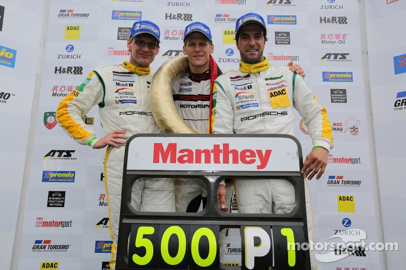 Winnaars Jochen Krumbach, Jörg Bergmeister, Lucas Luhr, Manthey-Racing, Porsche 911 GT3 RSR