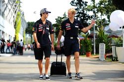 Daniel Ricciardo, Scuderia Toro Rosso with Stuart Smith, Scuderia Toro Rosso Physio