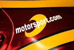 Motorsport.com Logo bei Henrique Cisneros, auf dem Auto von Sean Edwards