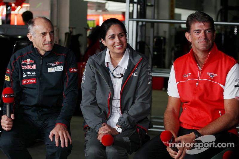 (L naar R): Franz Tost, Teambaas Scuderia Toro Rosso met Monisha Kaltenborn, Teambaas Sauber en Grae