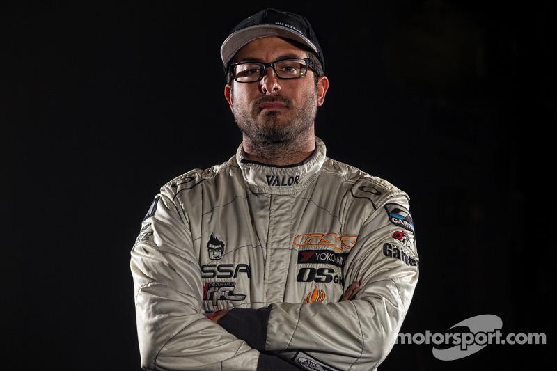 2013 Formula Drift-kampioen Mike Essa