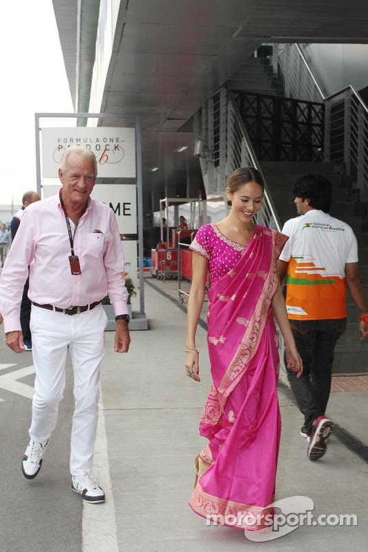 John Button e Jessica Michibata, namorada do Jenson Button, McLaren