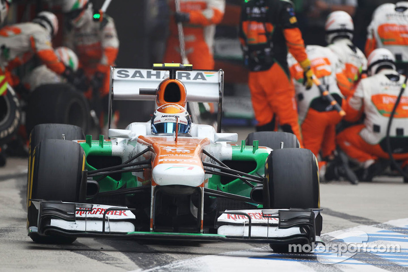 Adrian Sutil, Sahara Force India VJM06 makes a pit stop