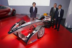 Ален Прост. Ален Прост и Жан-Поль Дрио стали участниками Формулы Э, особое событие.