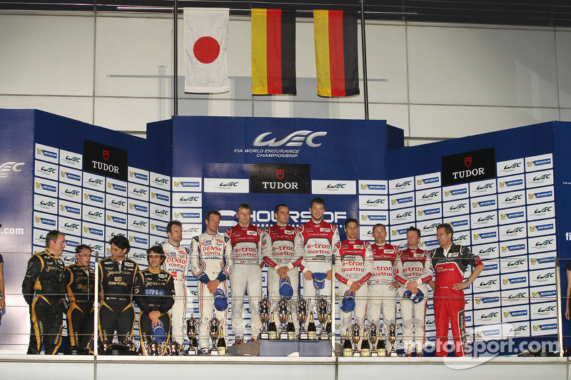 Podium: race winners Andre Lotterer, Benoit Tréluyer, Marcel Fässler, second place Nicolas Lapierre