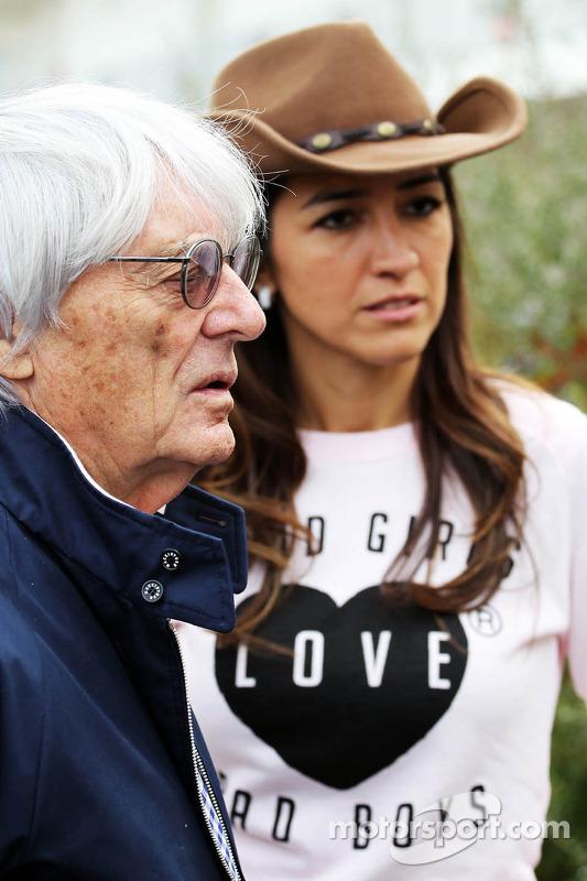 Bernie Ecclestone, CEO do Formula One Group, com sua esposa Fabiana Flosi (BRA)