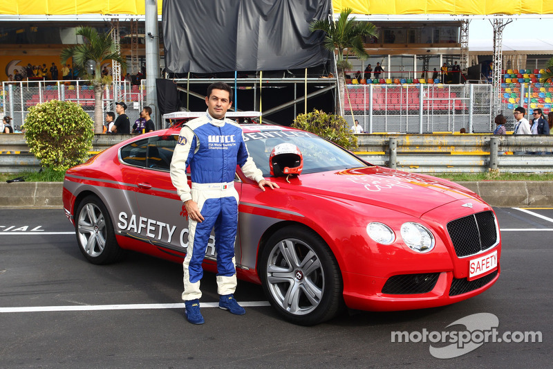 Bruno Correira, Safety Car official driver bij de Bentley Safety Car