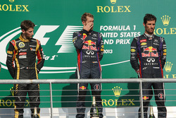 Podio: ganador de la carrera Sebastian Vettel, Red Bull Racing; segundo lugar Romain Grosjean, Lotus F1 Team y tercer lugar Mark Webber, Red Bull Racing