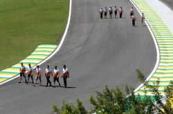 Adrian Sutil, Sahara Force India F1 Team , James Calado, Force India Formula One Team