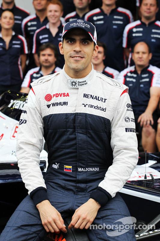 Pastor Maldonado, Williams em um foto da equipe