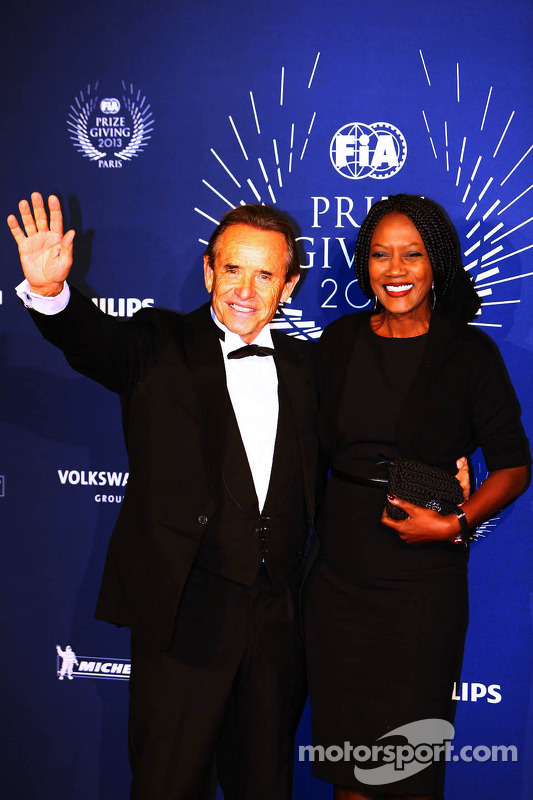 Jacky Ickx, com sua esposa Khadja Nin