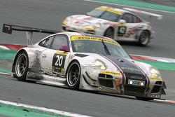 #20 Stadler Motorsport Porsche 997 GT3 R: Mark Ineichen, Rolf Ineichen, Marcel Matter, Adrian Amstut
