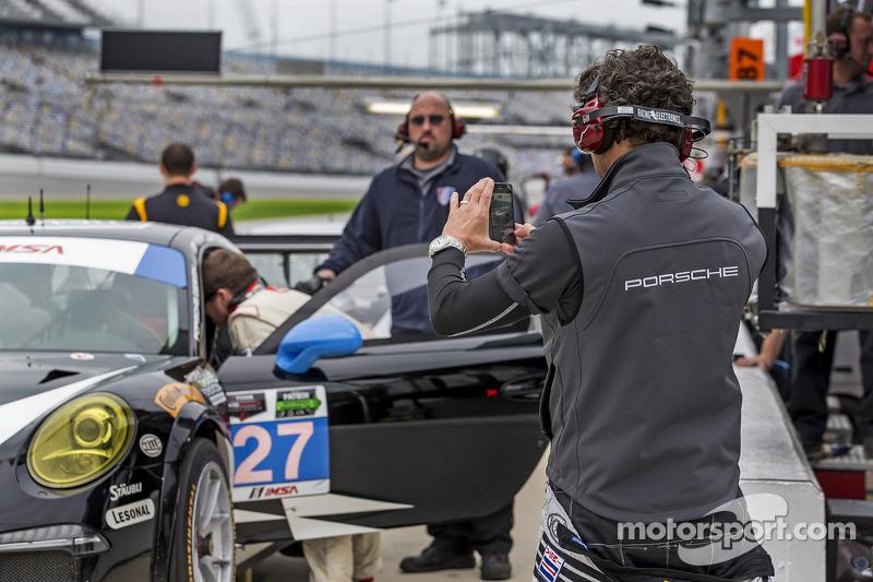#27 邓普希 Racing 保时捷 911 GT America: 帕特里克·邓普希, 乔·福斯特, 安德鲁·戴维斯