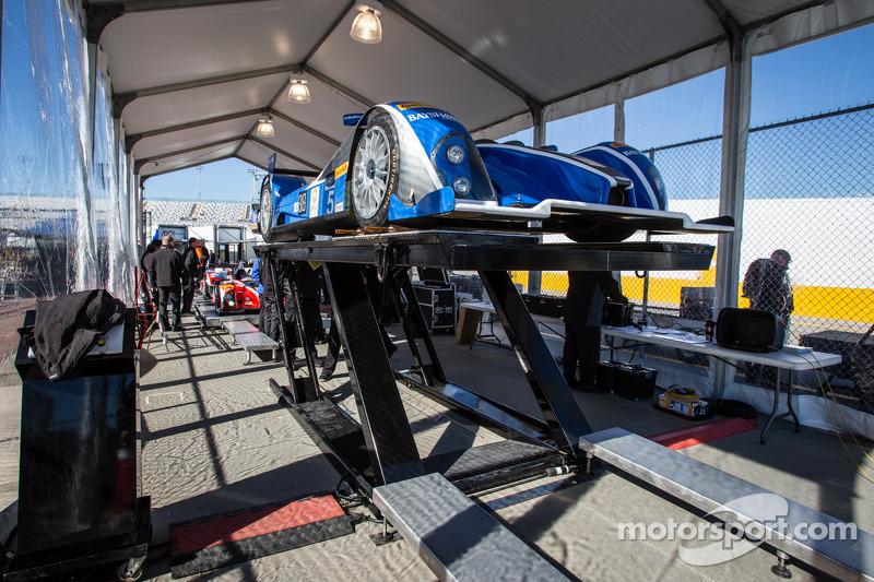 #52 PR1/Mathiasen Motorsports ORECA FLM09 雪佛兰 在技术检查中