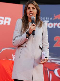 Nira Juanco, Presentatore Antena 3 TV alla presentazione della Scuderia Toro Rosso STR9