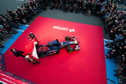 Daniil Kvyat, Scuderia Toro Rosso and Jean-Eric Vergne, Scuderia Toro Rosso at the unveiling of the Scuderia Toro Rosso STR9