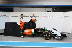 Sergio Pérez, Sahara Force India F1y Nico Hulkenberg, Sahara Force India F1 en el lanzamiento del nu