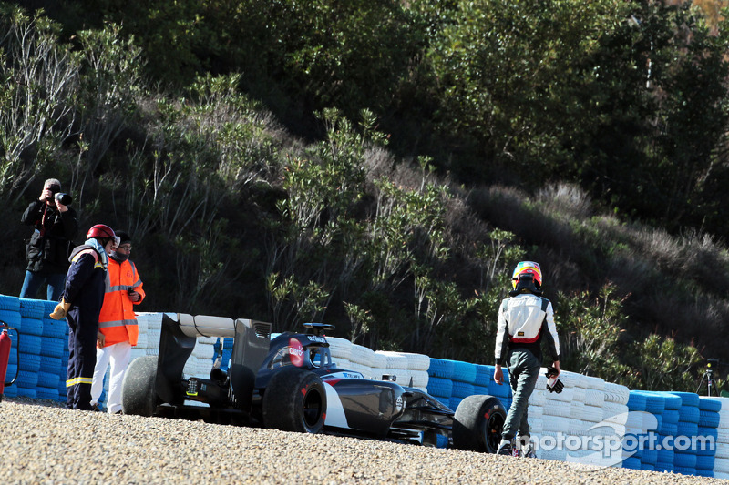 Esteban Gutierrez, Sauber C33 çakıl havuzunda kalıyor