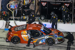 进站:#35 Flying Lizard Motorsports,奥迪R8 LMS: Seth Neiman, Dion von Moltke, Alessandro Latif, Filipe Albuquerque
