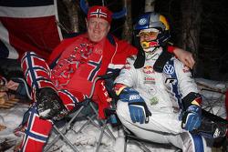 Andreas Mikkelsen con un fan