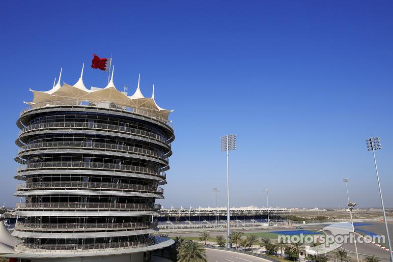 Esteban Gutierrez, Sauber F1 Team and Marcus Ericsson, Caterham F1 Team