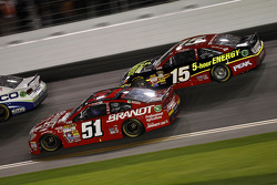 Justin Allgaier, HScott Motorsports Chevrolet, Clint Bowyer, Michael Waltrip Racing Toyota