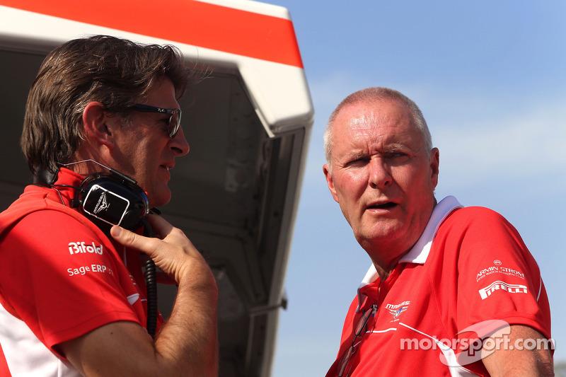 Graeme Lowdon, Marussia F1 Takımı Baş Yöneticisi ve John Booth, Marussia F1 Takımı Takım Müdürü
