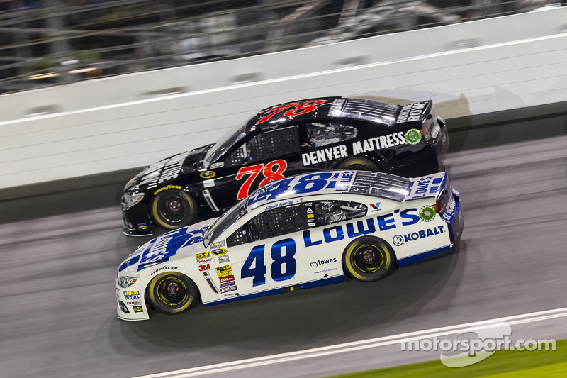Jimmie Johnson e Martin Truex Jr.