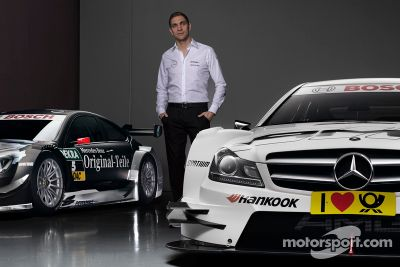 Vitaly Petrov joins Mercedes